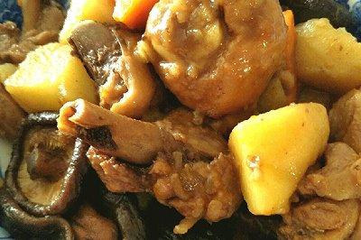 香菇土豆炖鸡腿