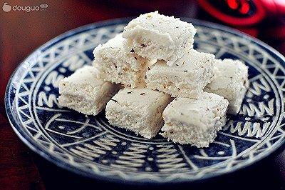 桂花白糖松糕