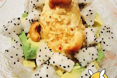 健康美味早餐酸奶淋红薯