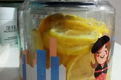 自制美容养颜柠檬蜂蜜水