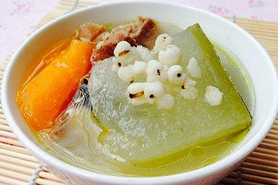 夏季消暑必备健脾胃祛湿的猪骨冬瓜汤