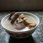 木耳山楂薏米煲猪腱肉