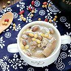 黄豆花生猪蹄汤