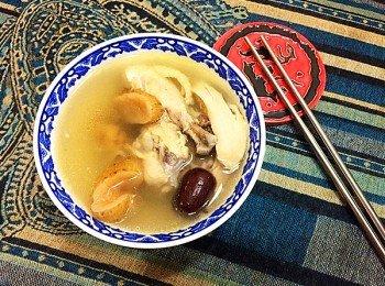 红枣天麻炖鸡汤