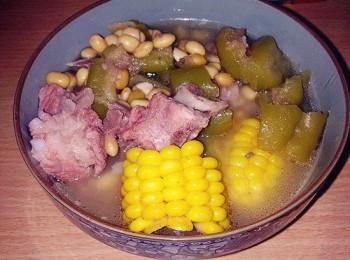 凉瓜粟米排骨汤