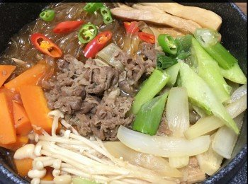 韩式牛肉锅