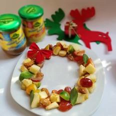 圣诞花环水果沙拉
