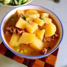 西红柿牛肉炖土豆