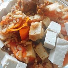 味增豆腐番茄胡萝卜糙米饭