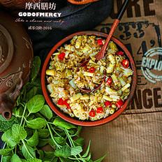 米饭必杀技--舌尖上细嫩的抵抗笋炒泡菜