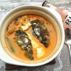 辣白菜鱼头豆腐煲