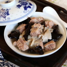 海鲜菇木耳排骨汤