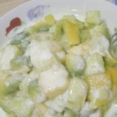 牛油果水果沙拉
