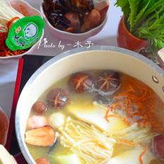 浓汤宝菌菇火锅