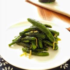 自己腌制的虾油小黄瓜