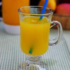 芒果气泡水冰饮
