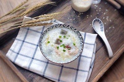 五常大米:皮蛋瘦肉粥