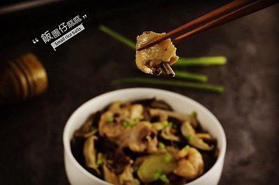 家常菜营养美味冬菇蒸鸡