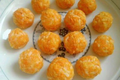 胡萝卜大米鸡肉丸