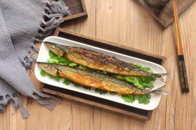 新手菜谱:香煎秋刀鱼