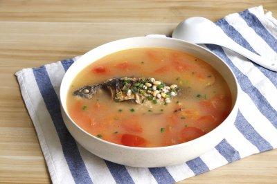 番茄薏米鲫鱼汤