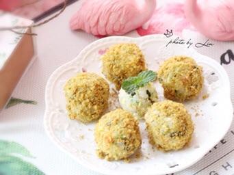 肉松海苔小饭团