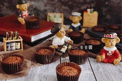 巧克力酱杯子蛋糕