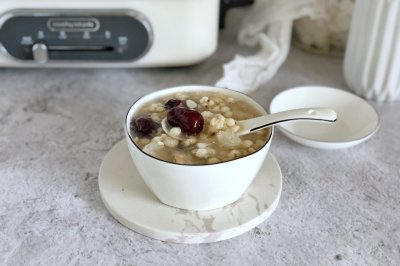 银耳红枣薏米粥