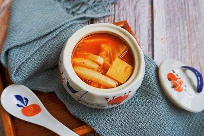 辣白菜豆腐年糕汤