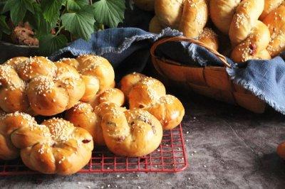 红薯杂果麻花面包