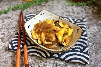 鸭蛋炒粉皮(10分钟快手家常菜)