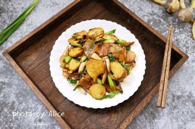 青蒜茨菇片炒咸肉