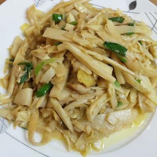 鸡油炒冬笋