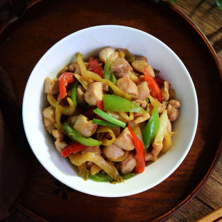 榨菜炒兔丁