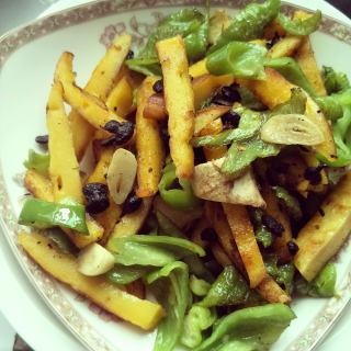青椒炒玉米饼