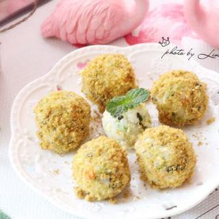 海苔肉松小饭团