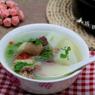 萝卜炖羊肉汤