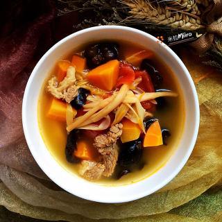 黄花番茄牛肉汤