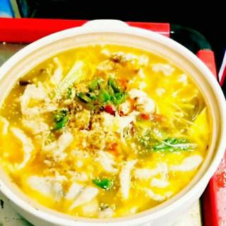 金汤酸菜鱼面
