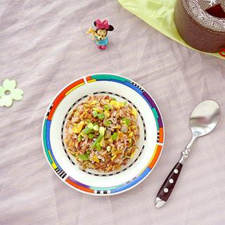 海参虾皮蛋炒红米饭