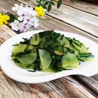 韭菜炒莴笋
