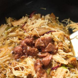 暖身菜~泡菜(辣白菜)牛肉汤