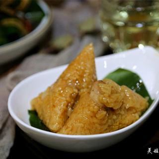 鲜肉蛋黄粽子