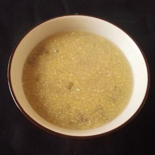 玉米渣绿豆粥