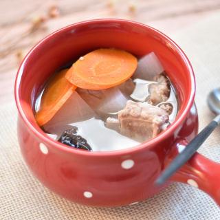 砂锅煲排骨萝卜汤