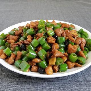 尖椒炒鸡丁