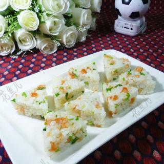 三角形香菜开洋饭团