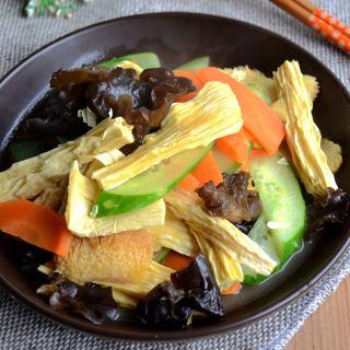 黄瓜猴头菇炒腐竹