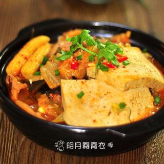 豆腐泡菜锅