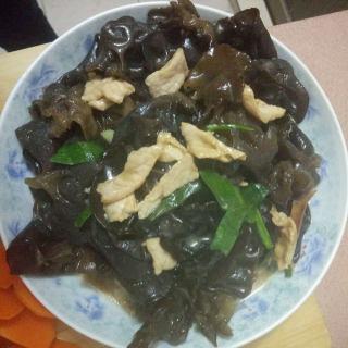 木耳炒肉片